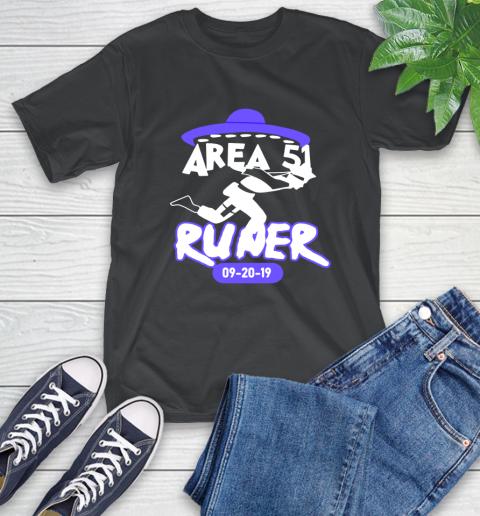 Naruto alien area 51 runners T-Shirt