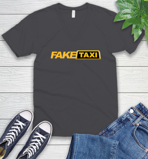 Fake taxi V-Neck T-Shirt 5