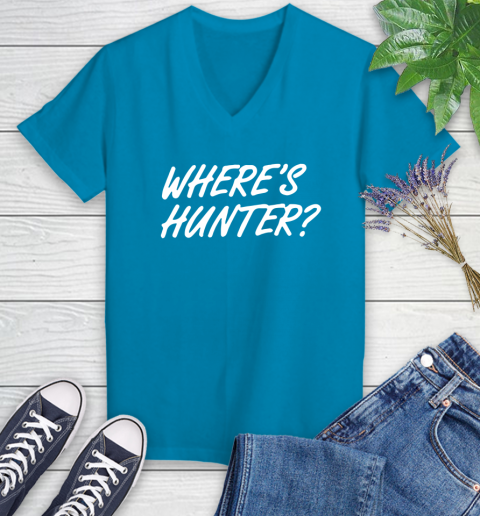 Where Is Hunter Women's V-Neck T-Shirt 7